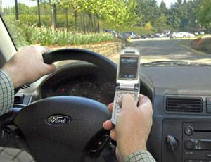 smscar Americans in Favor of Ban on Texting While Driving