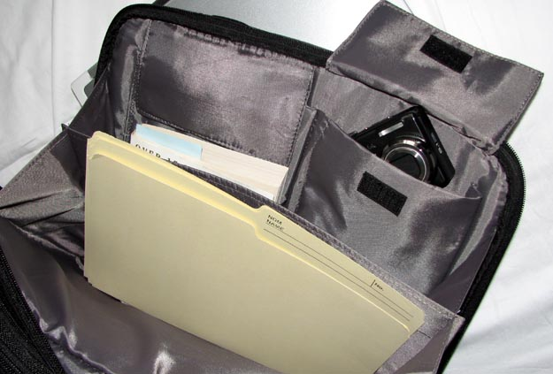 REVIEW - V7 Premium Toploader Laptop Case by Targus