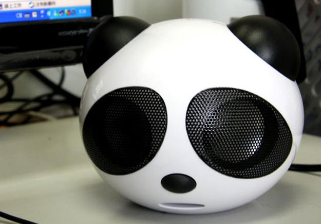 panda  Use a Decapitated Panda Head as an iPod Speaker