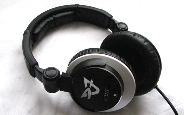 REVIEW - Ultrasone DJ1  S-Logic Headphones