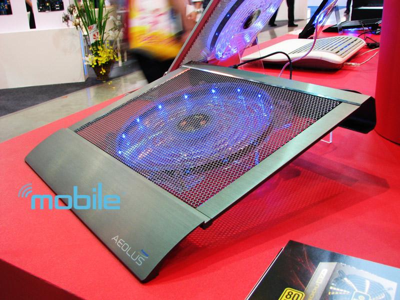 enermax-blue Glowing blue Enermax Aeolus notebook cooler blasts air with a 10-inch fan