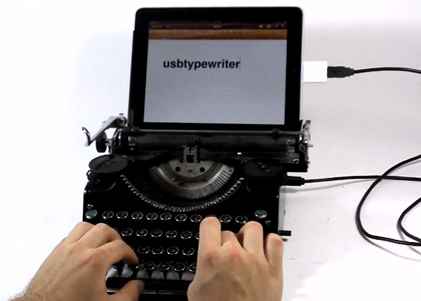usb_typewriter_ipad USB typewriter brings a bit of nostalgia to the iPad