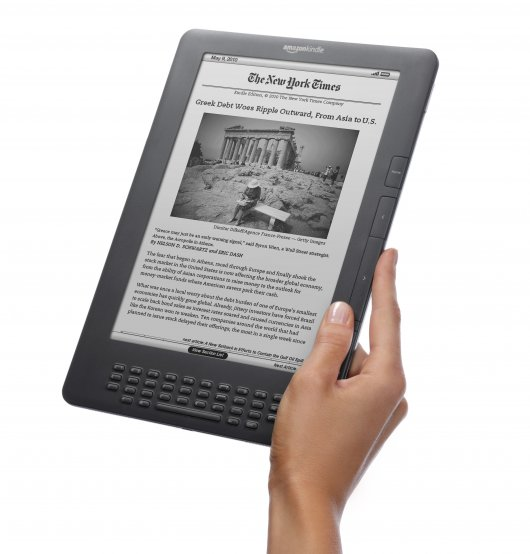 kindle-dx-1 Amazon to ship Kindle DX with 50% better contrast, 3G still free