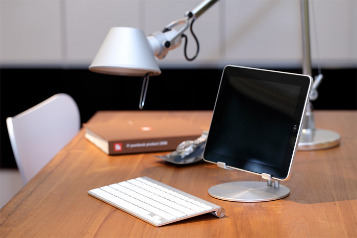 upstand-ipad-1 JustMobile's iPad Stand turns your iPad into a mini desktop computer