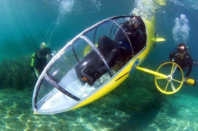 scubste5 Submarine-bike is an underwater adventure in itself