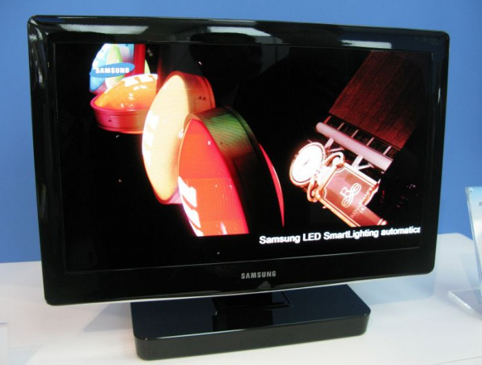 samsung-injket-oled-700x530 Samsung prints 19-inch AMOLED display with inkjet printer