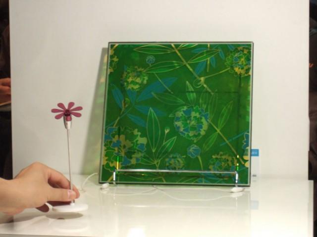 sony-hana-mado-2-640x479 Sony brings back flower power with solar windows
