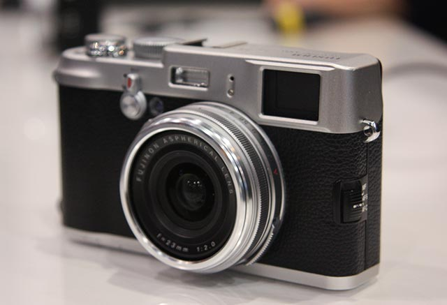 fujifilm_x100-01 FUjifilm brings FinePix X100 35mm looking retro 12MP digital shooter to CES