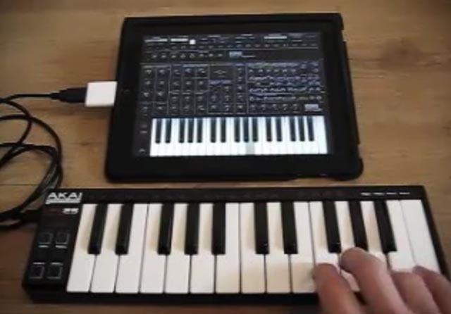 midi iPad MIDI connection continues the 80s theme in Apple's aftermarket