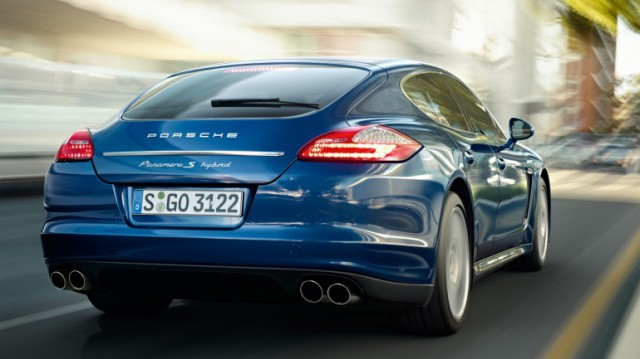 porsche-panamera-s-hybrid-3-640x359 Porsche Panamera S Hybrid With 380 Horsepower Sips Just 30.4MPG