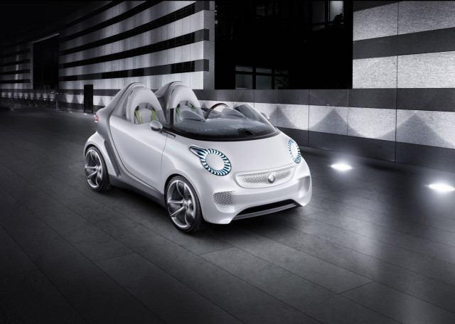 smart-forspeed-electric-roadster-819642_1510583_6624_4724_11C183_07-640x456 It Would Actually Be Smart For Mercedes To Build Forspeed Electric Roadster Concept