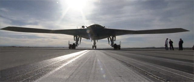 unmanned-bomber-x-47b X-47B unmanned stealth bomber drones first flight