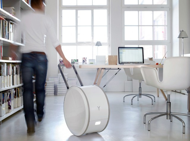 yill041-640x475  Yill White Wheel: The True Mobile Office with Power to Go