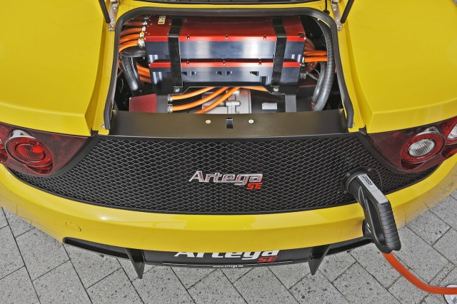 artega_se_press_images_004-640x426  Tesla Roadster Challenged by Artega SE for Electric Sports Car Crown