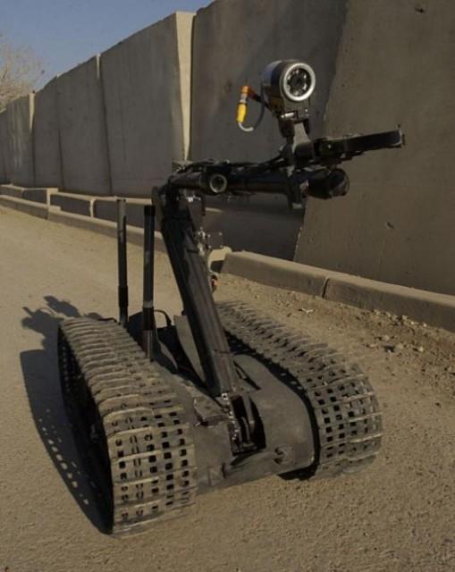 qinetiq-robots-0-509x640  Unmanned QinextiQ Robots and Vehicles Help to Save Japan