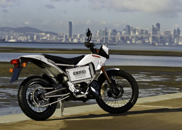 zero-motorcycle-xu-electric-removable-battery-640x457 Swappable Batteries To Ease EV Charging