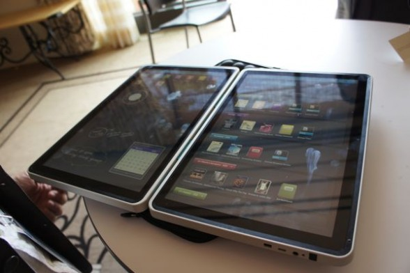 Kno-DualScreen-Tablet  Intel Backs Kno with $30M, Sticks It to Apple