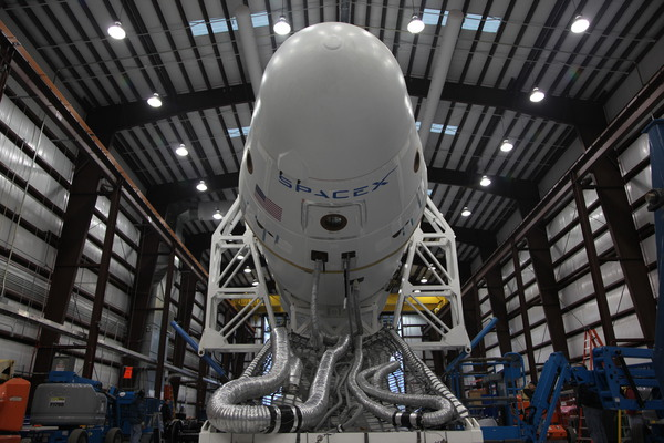 spacex-falcon9-rocket SpaceX Falcon Heavy Rocket To Carry 117,000 Pound Payloads In 2013