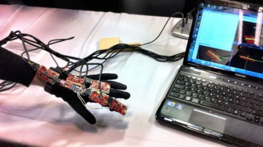 biomedical-sensor-glove Sensor Glove Helps Stroke Patients Recover Hand Motion with Video Games