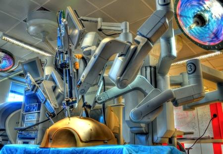 1872480 Futuristic Surgical Robots To Teach Super Surgeons