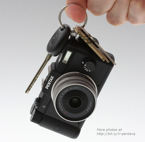 pentax_q Pentax Q offers interchangeable lenses in tiniest package ever