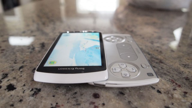 xperia-play-00-640x360 Sony Ericsson Xperia Play review: The Android PlayStation phone