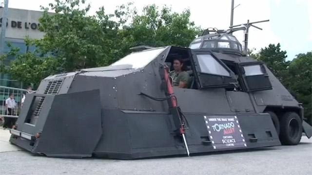 tornado-hunter-tank The Tornado Hunters' 6,300 kilo armored tank