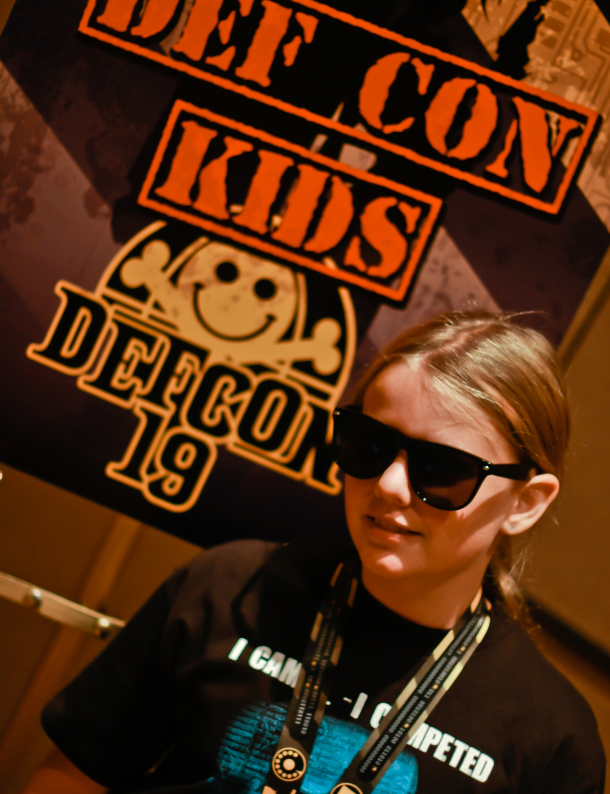 2011_DefCon_19_CyFy_10_year_old_hacker_610x794  10-year-old girl hacks smartphone, discovers security flaw
