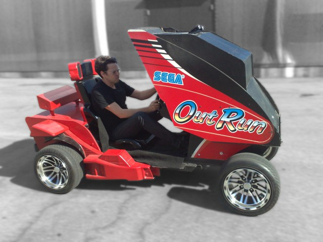 outrun-video-game-augmented-reality-640x480  OutRun AR brings arcade racing experience to real world