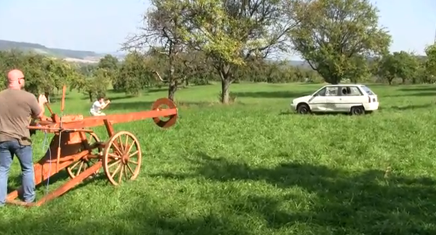 slingshot  Video: Massive slingshot cannon goes medieval on your car