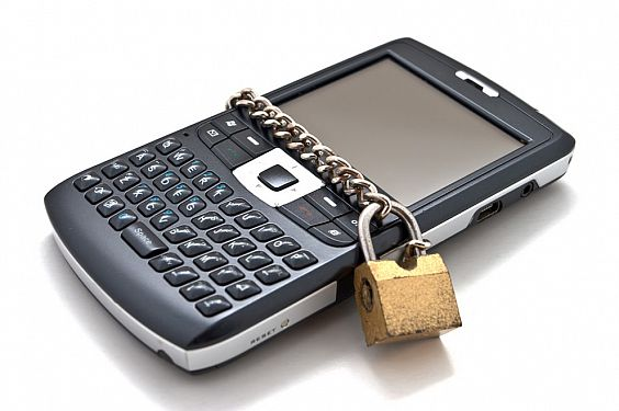 880-cellphon_article Virginia Tech Hacks Android to Location Based Device Erase
