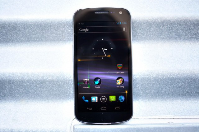 gnex1-640x426 Introducing The Galaxy Nexus, Google's ICS Flagship Smartphone