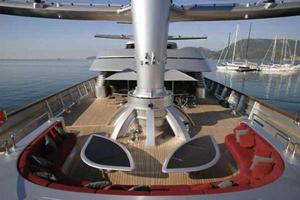 111216-yacht7 The Lap Of Speedy Luxury With $130 Million Maltese Falcon Sailing Yacht