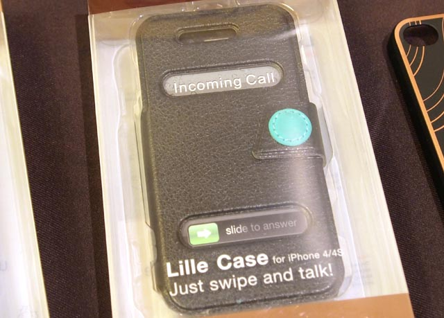 luxa-2 CES: Swipe And Talk With The Luxa2 Lille Case For iPhone 4S