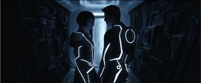 tron_light_suits-640x266 Future Clothing Will Have Batteries Inside Fabric