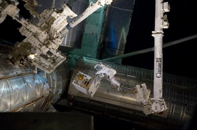 120309-nasa2-640x423  NASA and CSA Start Robot Refueling Mission Experiment