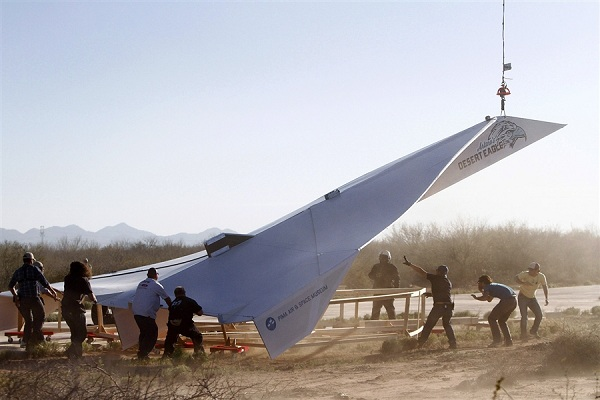 800-pound-paper-airplane 800lb Paper Airplane Takes Flight (Video)