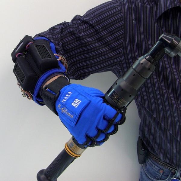 robo-glove Robo-Glove Developed By NASA And GM (Video)