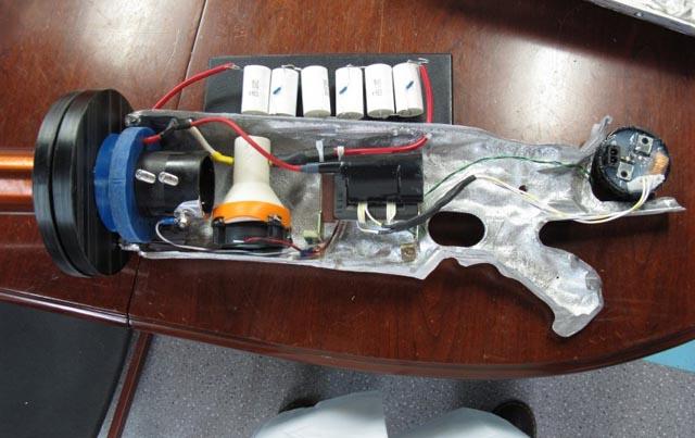 120516-tesla2  Mad Scientist Creates Real Life Tesla Gun (Video)