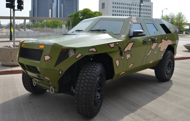 fed US Army Plans To Save On Fuel Bill With Their Mean-Looking Diesel-Hybrid 'Humvee'