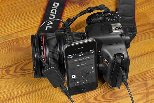 triggertrap Triggertrap: Trigger A DSLR Camera With Your iPhone, iPad Or iPod touch (Video)
