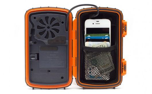 eco2 Grace Digital Introduces ECOXPRO Waterproof Speaker Case For Smartphones And MP3 Players