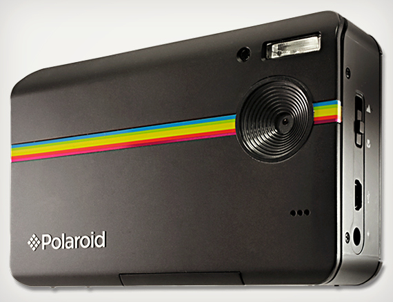 pola  Polaroid's Z2300 Offers A P&S With A Built-In Printer