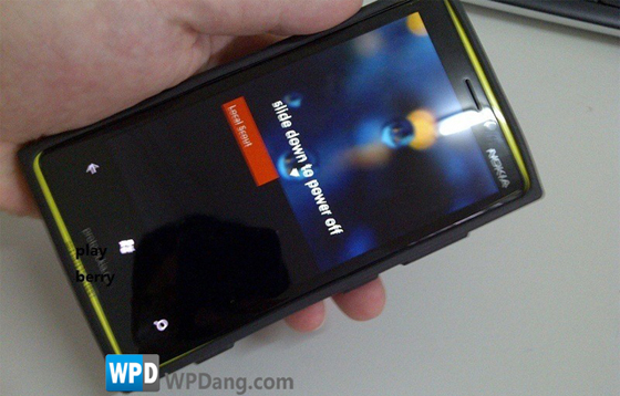 nokiaproto Nokia's First WP8 Prototype Let Loose to Pubic Eyes