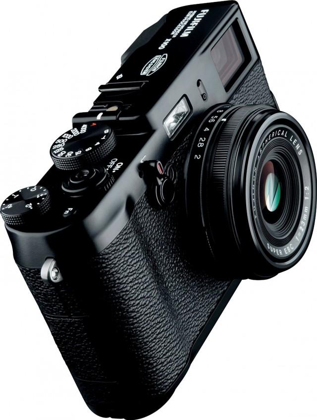fujifilm-x100-640x847 Daily Deal: $300 Off Fujifilm X100 12.3 MP APS-C Digital Camera Kit