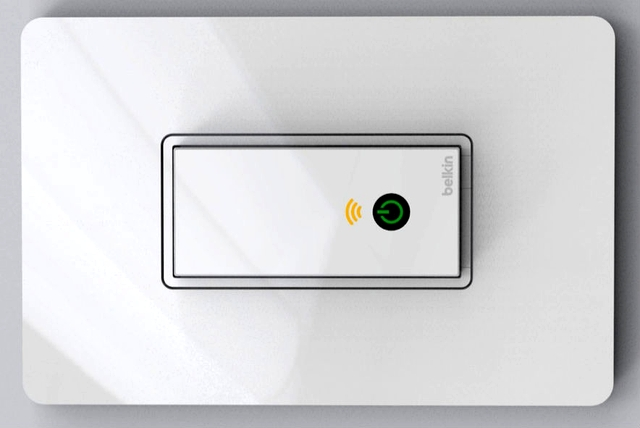 Belkin-WeMo-lightswitch Belkin WeMo Light Switch Turns Off and On with your Android Device