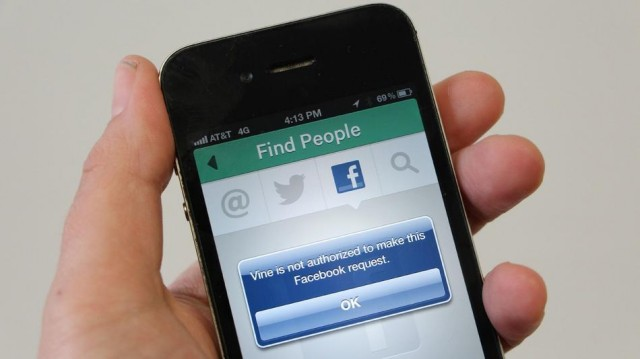 vinefb-640x359 Facebook Blocks Twitter's Vine From Accessing Your Friends