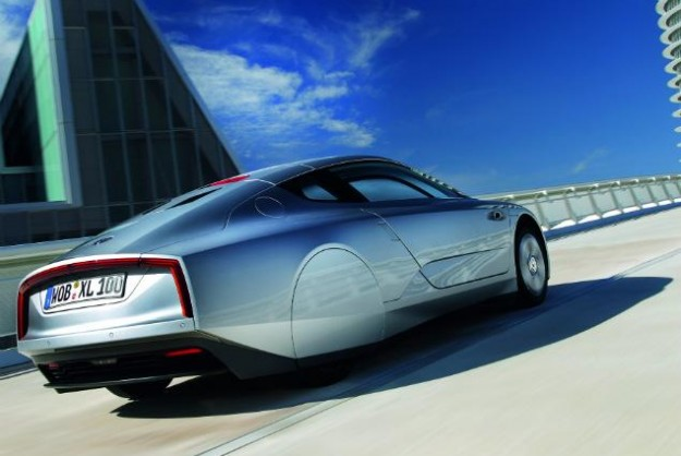130226-vw1 Volkswagen XL1 Hybrid Gets 261 MPG, Goes into Production