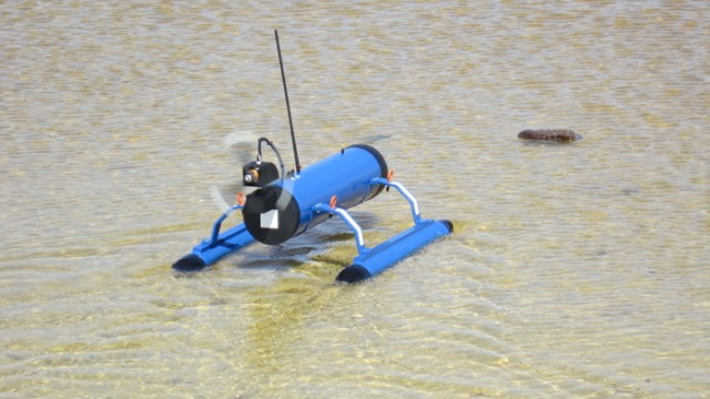 130321-usv-640x360 Video: Remote-Control FrankenDrone Raft Skims Across Shallow Waters