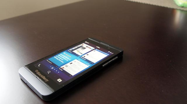 bb-z10-6 BlackBerry Z10 Smartphone Review